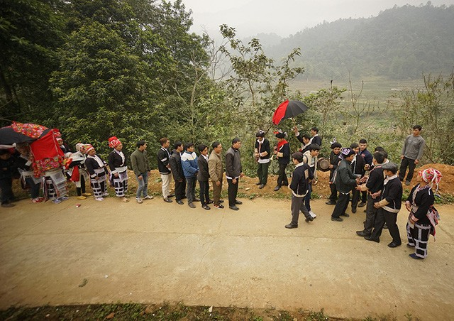 Wedding ceremony of the Red Dao   - ảnh 3
