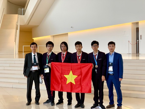 Vietnam excels at computer olympiad - ảnh 1