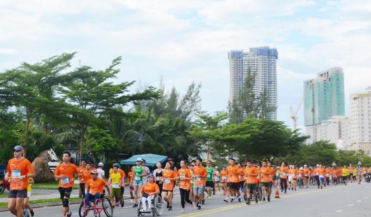 67 개 국가 및 영토에서 온 선수, 다낭 국제 마라톤에 참가 - ảnh 1