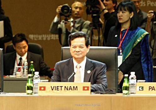 Premierminister Nguyen Tan Dung hält eine Rede beim Atomsicherheitsgipfel - ảnh 1