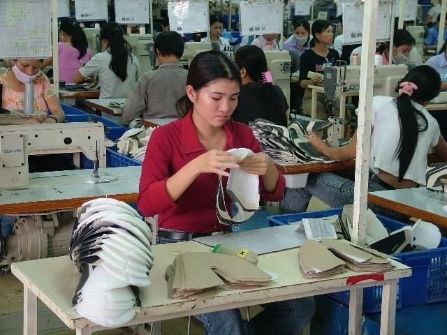 Vietnam zieht Verträge der bekannten Schuhunternehmen an - ảnh 1