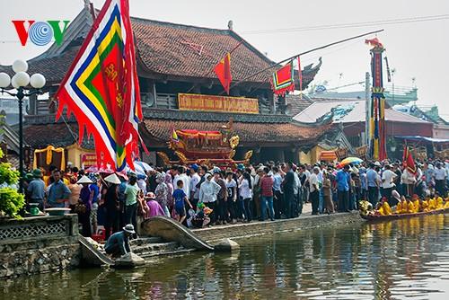Bootsrennen im Dorf Hanh Thien - ảnh 1