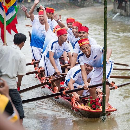 Bootsrennen im Dorf Hanh Thien - ảnh 12