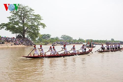 Bootsrennen im Dorf Hanh Thien - ảnh 2
