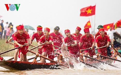 Bootsrennen im Dorf Hanh Thien - ảnh 3