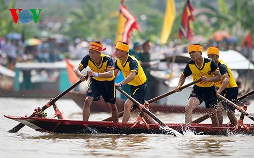 Bootsrennen im Dorf Hanh Thien - ảnh 9