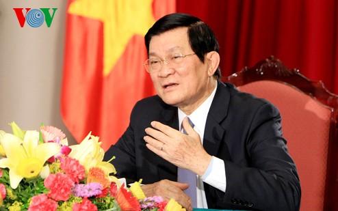 Staatspräsident Truong Tan Sang beim Interview mit dem russischen Fernsehsender - ảnh 1