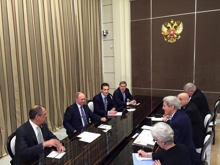 Der russissche Präsident empfängt den US-Außenminister - ảnh 1