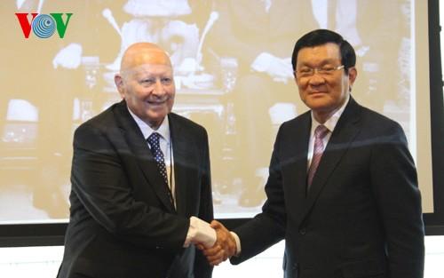 Staatspräsident Truong Tan Sang beim Besuch in Tschechien - ảnh 1