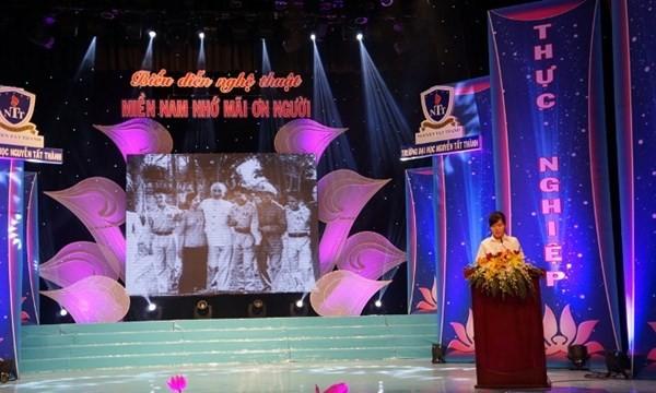 Die Feier des 125. Geburtstags des Präsidenten Ho Chi Minh in zahlreichen Provinzen - ảnh 1