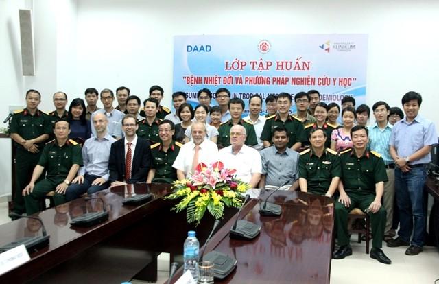 Vietnam und Deutschland verstärken ihre Zusammenarbeit in der Erforschung von Tropenkrankheiten - ảnh 1