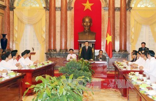 Staatspräsident Truong Tan Sang trifft Vertreter des Caodaismus-Vereins - ảnh 1
