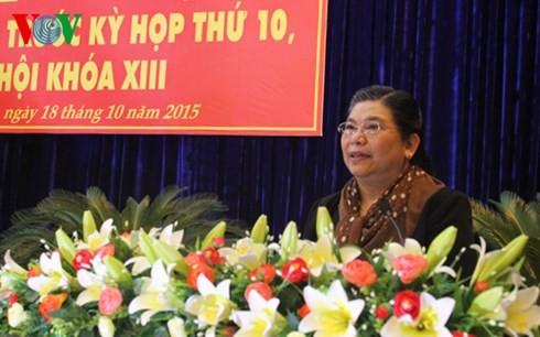 Vize-Parlamentspräsidentin Tong Thi Phong trifft Wähler in der Provinz Dak Lak - ảnh 1