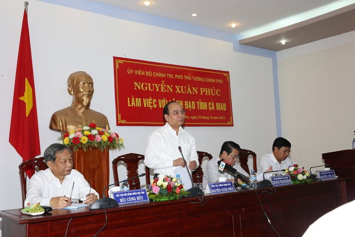 Vize-Premierminister Nguyen Xuan Phuc zu Gast in der Provinz Ca Mau - ảnh 1