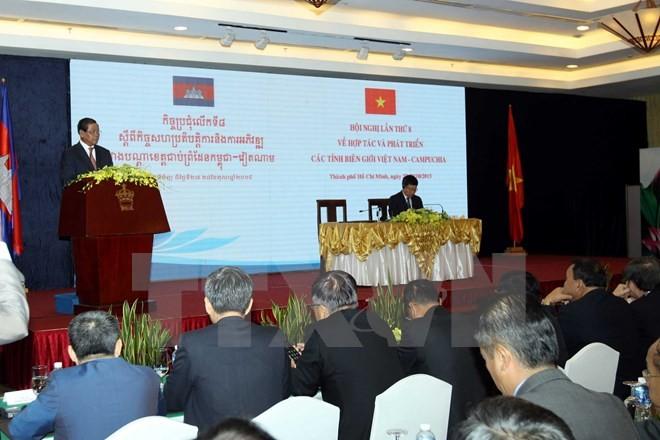 Freundschaft und umfassende Zusammenarbeit der Grenzprovinzen zwischen Vietnam und Kambodscha - ảnh 1