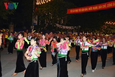 Yen Bai: Eröffnung der Kultur-Tourismuswoche Muong Lo - ảnh 1