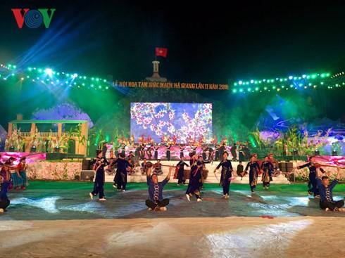 Eröffnung des Festes der Echten Buchweizen-Blumen in Ha Giang - ảnh 1