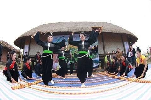 """Traditionelle Kulturidentität beim Fest """"Frühling im ganzen Land"""" - ảnh 1"""