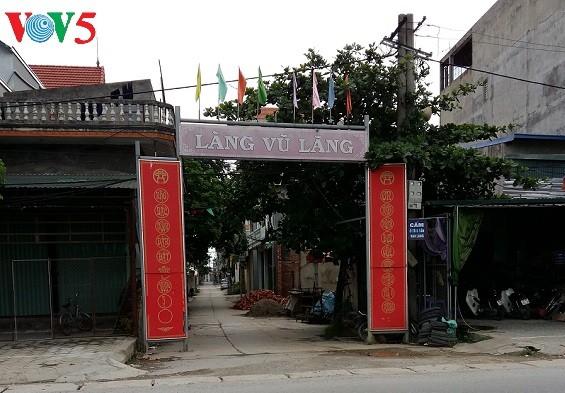 Die Holzschnitzerei im Dorf Vu Lang - ảnh 1