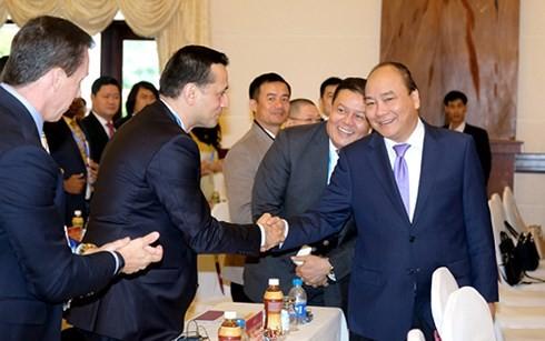 Nguyen Xuan Phuc nimmt an der Konferenz zur Investitionsförderung in der Provinz Phu Yen teil - ảnh 1