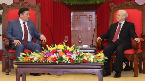 KPV-Generalsekretär Nguyen Phu Trong empfängt Parlamentspräsidenten aus der Mongolei - ảnh 1