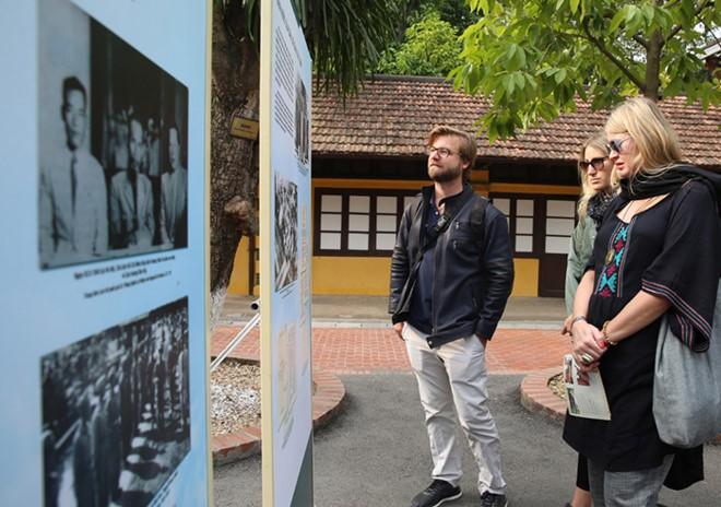 Ausstellung der Serie von Dekrete des Präsidenten Ho Chi Minh - ảnh 1