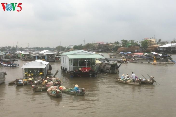 Der schwimmende Markt Cai Rang vor dem Neujahrsfest Tet - ảnh 1