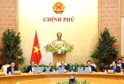 Premierminister Nguyen Xuan Phuc leitet die Regierungssitzung - ảnh 1
