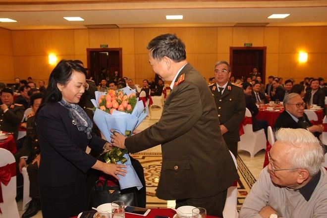 Polizei-Ministerium trifft Vertreter des Gesundheitswesens zum Tag der vietnamesischen Ärzte - ảnh 1