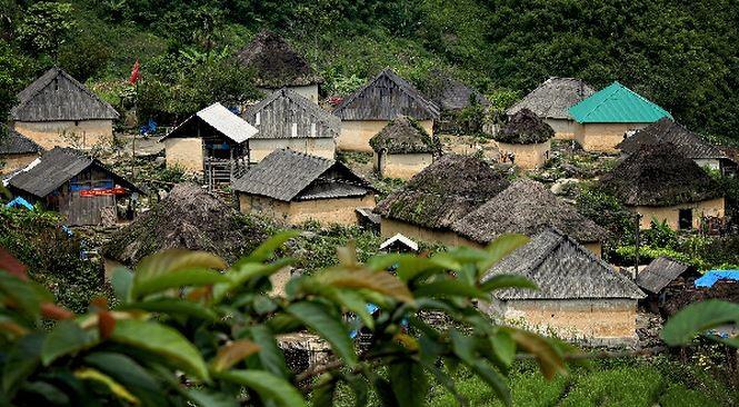 Die einzigartigen Pilz-Häuser der Volksgruppe Ha Nhi Den in Lao Cai - ảnh 1