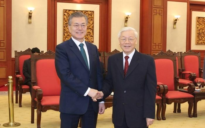 Sekjen KS PKV, Nguyen Phu Trong menerima Presiden Republik Korea Moo Jae-in  - ảnh 1