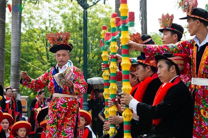 Die einzigartige Ba-Mu-Gebetszeremonie der Volksgruppe Dao do - ảnh 1