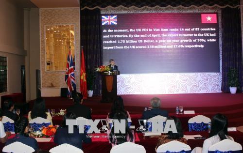 Feier zum 45. Jahrestag der Aufnahme diplomatischer Beziehungen zwischen Vietnam und Großbritannien - ảnh 1