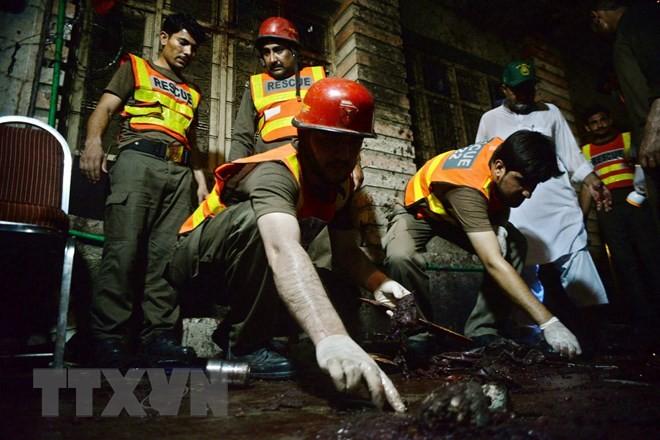 Mindestens 13 Tote bei einem Selbstmordanschlag in Pakistan - ảnh 1