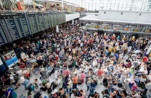 200 Flüge am Münchner Flughafen ausgefallen - ảnh 1
