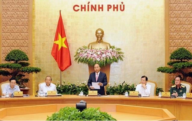 Premierminister Nguyen Xuan Phuc leitet die Debatte über die sozialwirtschaftliche Lage - ảnh 1
