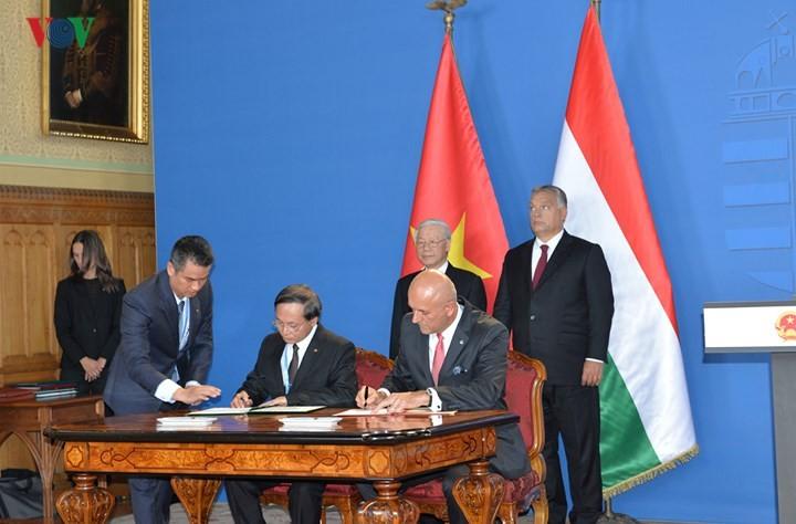 """Die Beziehungen zwischen Vietnam und Ungarn auf """"umfassende Partnerschaft"""" heben - ảnh 1"""