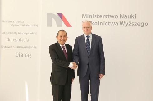 Vize-Premierminister Truong Hoa Binh nimmt am Seminar für wirtschaftliche Zusammenarbeit zwischen Vietnam und Polen teil - ảnh 1