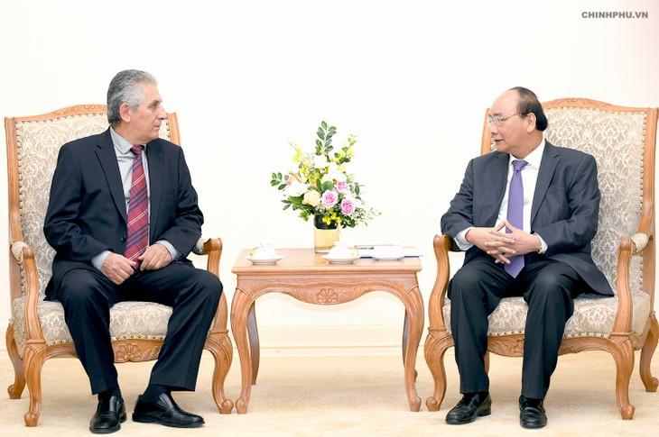 Premierminister Nguyen Xuan Phuc empfängt den Generalsekretär des Weltgewerkschaftsbunds - ảnh 1