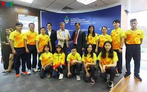 Die argentinische Botschaft trifft die vietnamesische Mannschaft für olympische Jugend-Sommerspiele - ảnh 1
