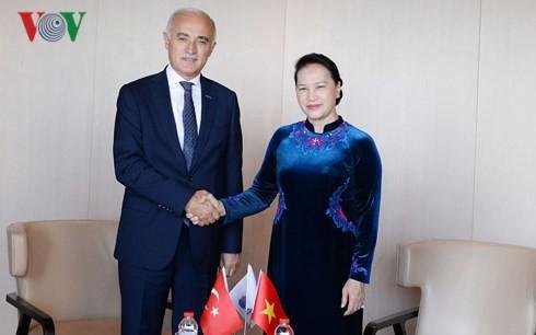 Die Parlamentspräsidentin empfängt Vorsitzenden des türkischen Außenwirtschaftsrats - ảnh 1