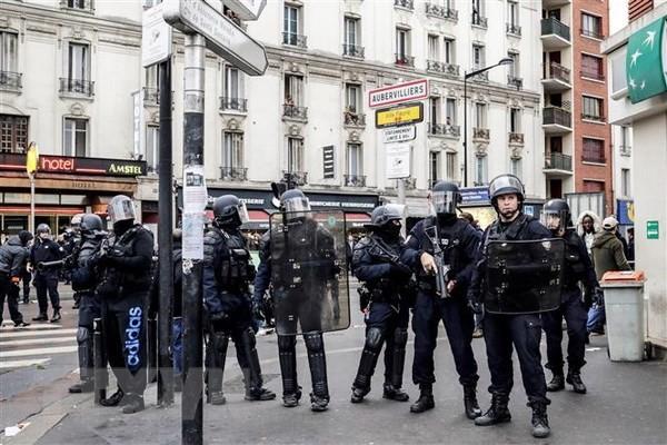 Frankreich verschärft die Sicherheitsvorkehrungen in Paris - ảnh 1