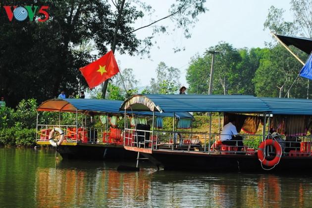 Tee-Insel Thanh Chuong zieht zum Tet-fest Touristen an - ảnh 2