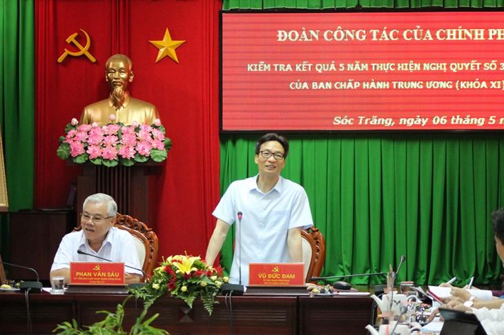 Vize-Premierminister Vu Duc Dam besucht die Provinz Soc Trang - ảnh 1