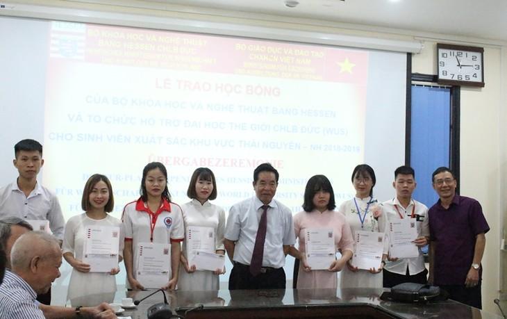 Hessen-Stipendien für 21 ausgezeichnete vietnamesische Studenten - ảnh 1