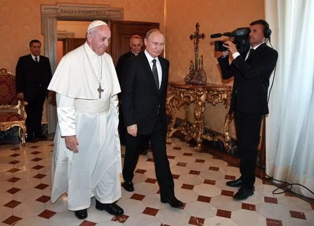 Russlands Präsident trifft Papst Franziskus - ảnh 1