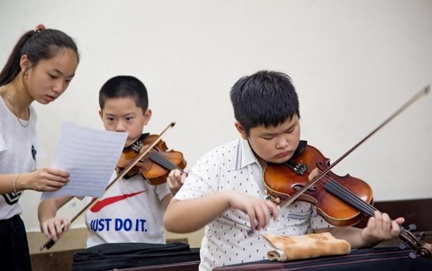 Vietnamesisches Junior-Orchester veranstaltet Wohltätigkeitskonzert  - ảnh 1
