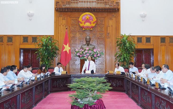 Premierminister Nguyen Xuan Phuc besucht Fernsehsender VTV - ảnh 1
