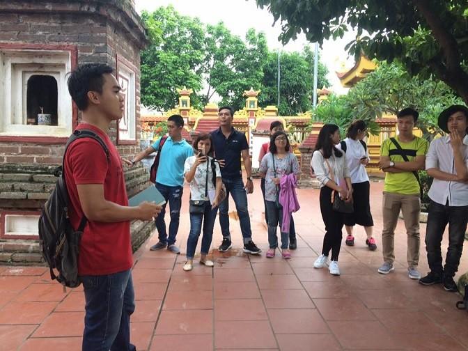 Des ambassadeurs culturels de Hanoï - ảnh 2