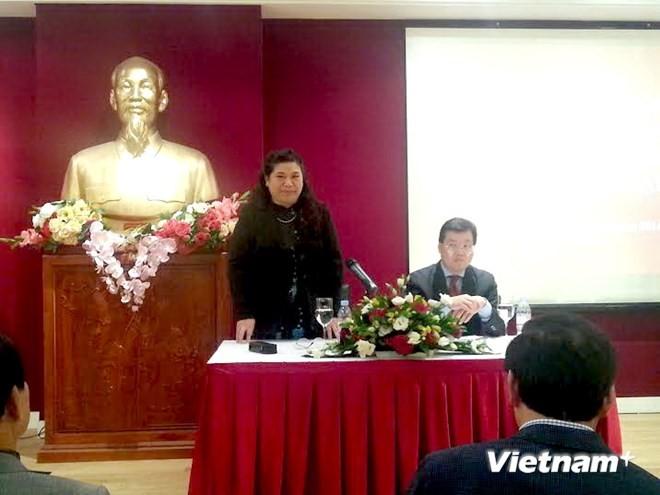 Phó Chủ tịch Quốc hội Tòng Thị Phóng gặp gỡ cộng đồng người Việt tại Pháp  - ảnh 1